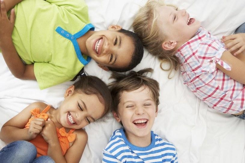 Zapewnij dzieciom rozrywkę /©123RF/PICSEL