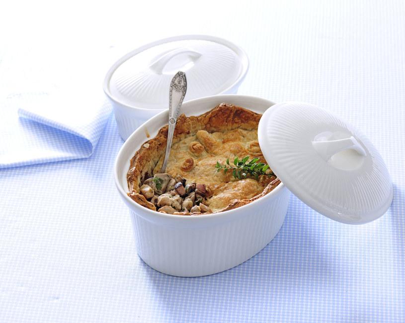 Zapiekanka grzybowa w cieście /123RF/PICSEL