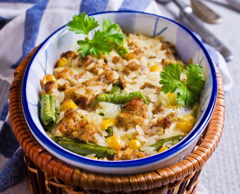 Zapiekanka z ryżem i mięsem /123RF/PICSEL