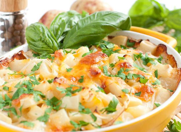Zapiekanka z ziemniaków będzie hitem na twoim stole /123RF/PICSEL