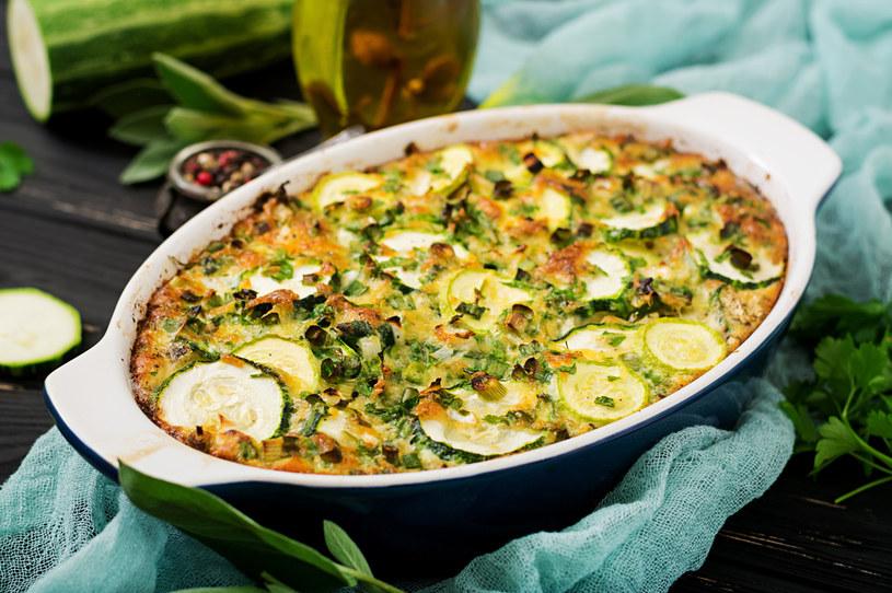 Zapiekanki to smaczny i pożywny pomysł na obiad i kolację /123RF/PICSEL