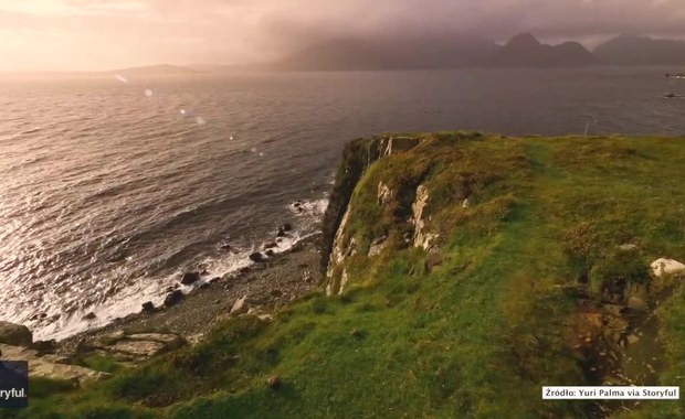 Zapierające dech w piersiach krajobrazy szkockiej wyspy. Zobacz film