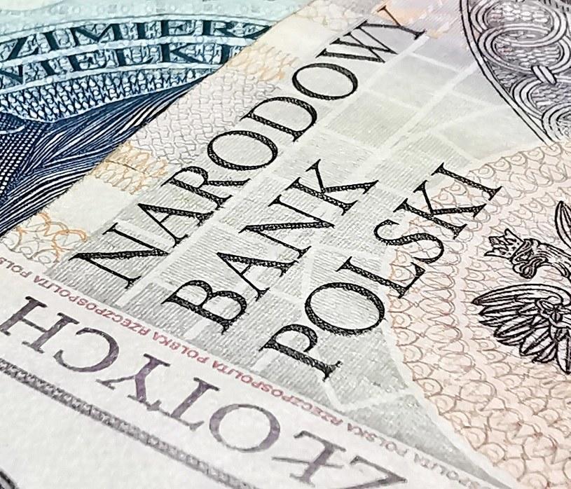 Zapłacimy za nasze depozyty w bankach? /123RF/PICSEL