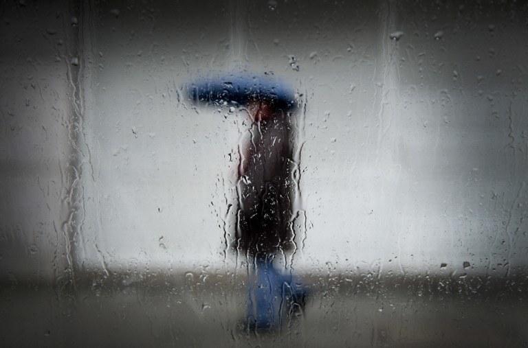 Zapowiada się deszczowy weekend /AFP