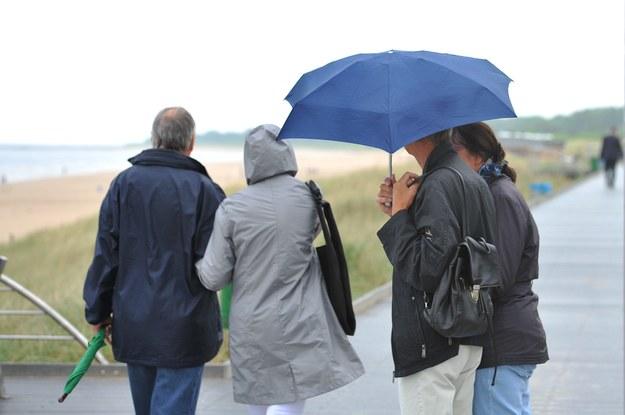Zapowiada się dość deszczowy tydzień /Marcin Bielecki /PAP