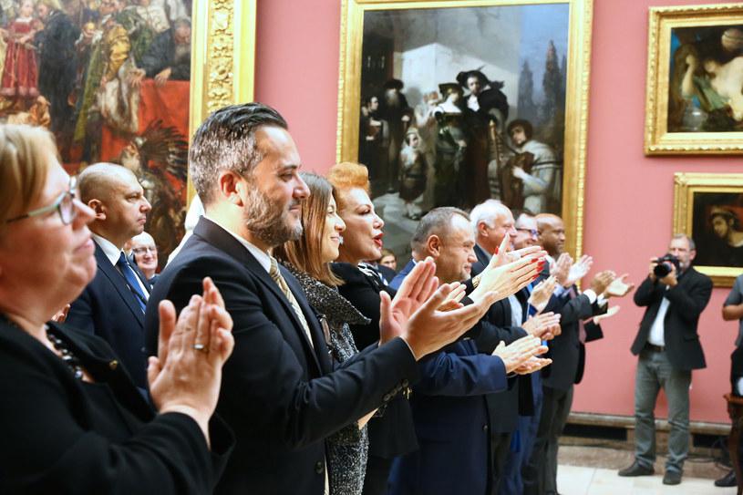 Zaproszeni goście oklaskują muzyków /Konsulat Generalny USA w Krakowie /