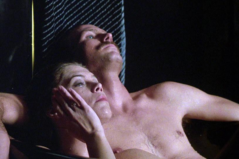 Żar ciała! Kathleen Turner i William Hurt w filmie Lawrence'a Kasdana /materiały prasowe