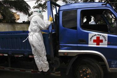 Zaraziła się ebolą, mimo kompletnego stroju ochronnego