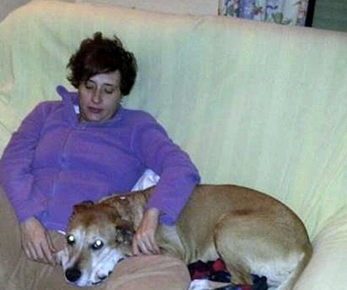 Zarażona pielęgniarka ze swoim psem /PACMA /PAP/EPA