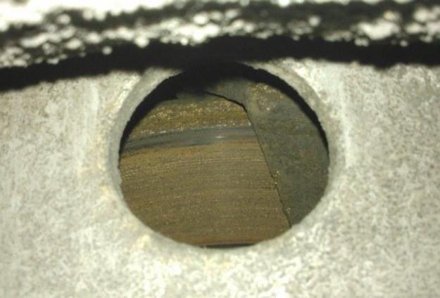Zardzewiała tarcza świadczy, że hamulec nie działa / Fot: ITD /