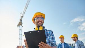 Zarobki budowlańców w Europie. W tych krajach opłaca się pracować na budowie [TOP 5]