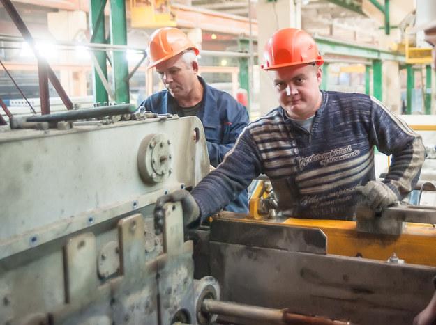 Zarobki na produkcji sięgają 6000 zł /123RF/PICSEL