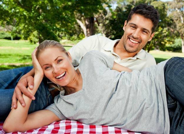 Zarówno małżeństwo, jak i rozwód sprzyjają tyciu /© Panthermedia