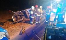 Zarzuty dla pijanego, który doprowadził do wypadku, w którym zginęło dwoje jego pasażerów
