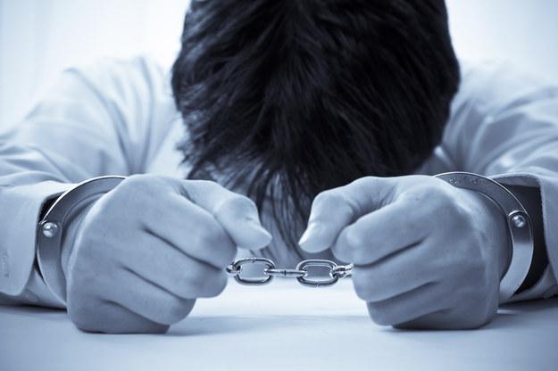 Zarzuty dotyczące handlu ludźmi przedstawiono dwóm mężczyznom /© Glowimages