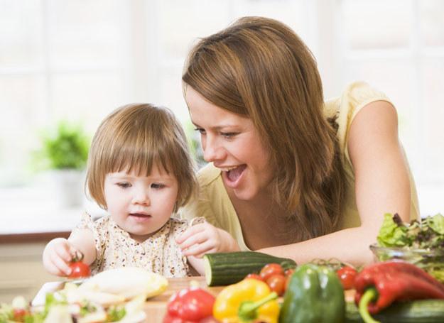 zasem taki trik trzeba powtarzać kilkanaście razy, zanim maluch zaakceptuje smak warzyw  /© Panthermedia