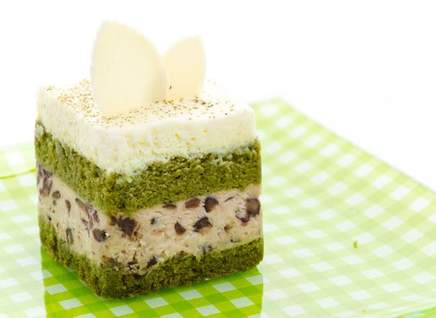 Zaskocz domowiników zielonym tortem! Smakuje wyśmienicie. /123RF/PICSEL