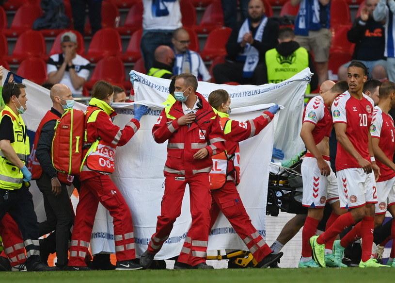 Zasłabnięcie Christiana Eriksena w meczu Dania - Finlandia /STUART FRANKLIN / POOL / AFP /PAP