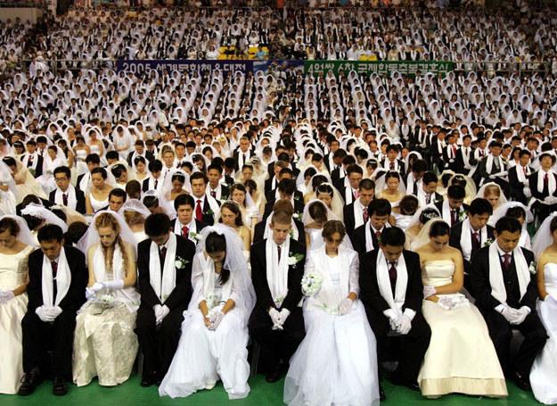 Zaślubiny członków sekty Moon. 1 sierpnia 2005 roku /Ap AHN YOUNG-JOON /East News