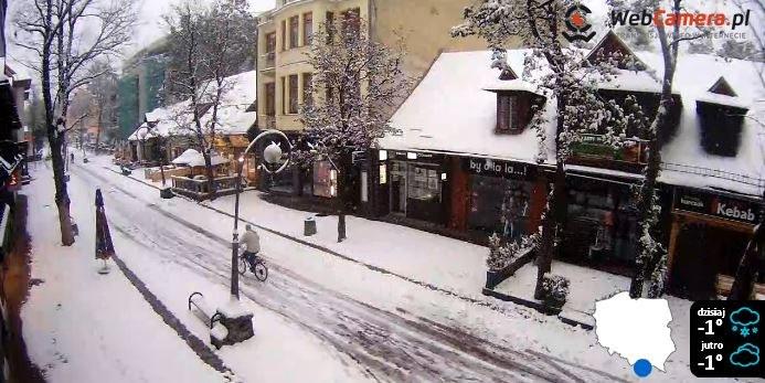 Zaśnieżone Krupówki, zdj. pochodzi ze strony: http://zakopane.webcamera.pl/ /INTERIA.PL
