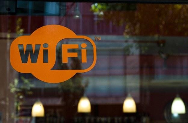 Zasoby sieci Wi-Fi wyczerpują się w szybkim tempie /AFP