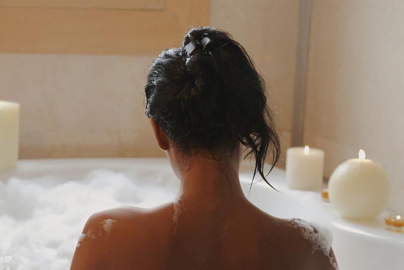 Zastosowanie glinki do kąpieli /© Photogenica