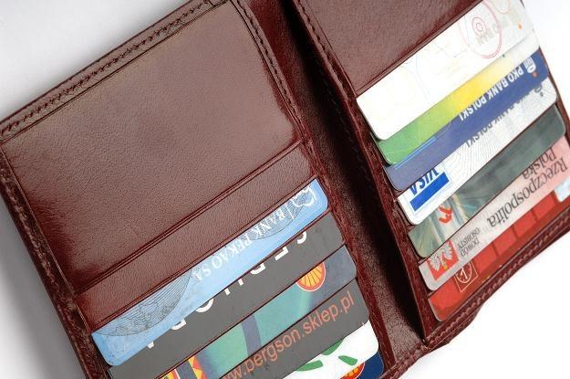 Zastrzeżeniu podlegają m.in.: karty płatnicze /© Bauer