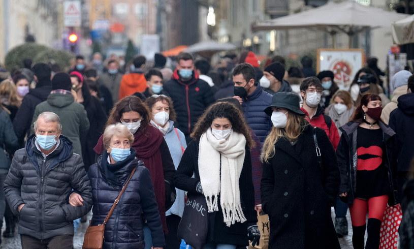Zaszczepiono dotąd ponad 2,5 miliona mieszkańców Włoch /ALESSANDRO DI MARCO  /PAP/EPA