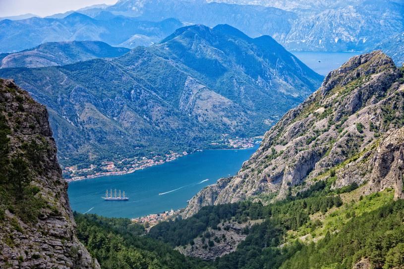 Zatoka Kotorska zachwyca swoim pięknem /123RF/PICSEL