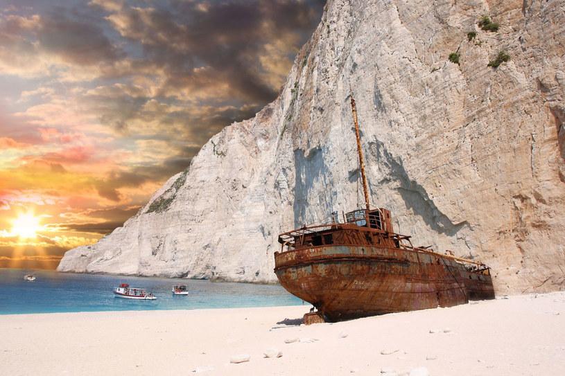 Zatoka wraku to plaża, która stała się nie tylko wizytówką wyspy, lecz całej Grecji /123RF/PICSEL