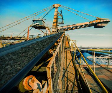 Zatrudnienie w górnictwie rośnie, choć wydobycie spada