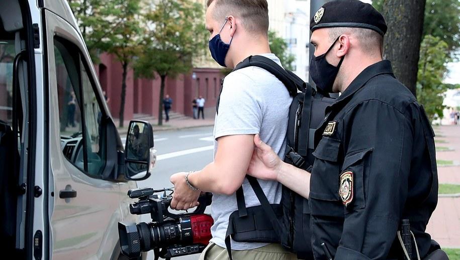 Zatrzymanie dziennikarza /Natalia Fedosenko /PAP/EPA