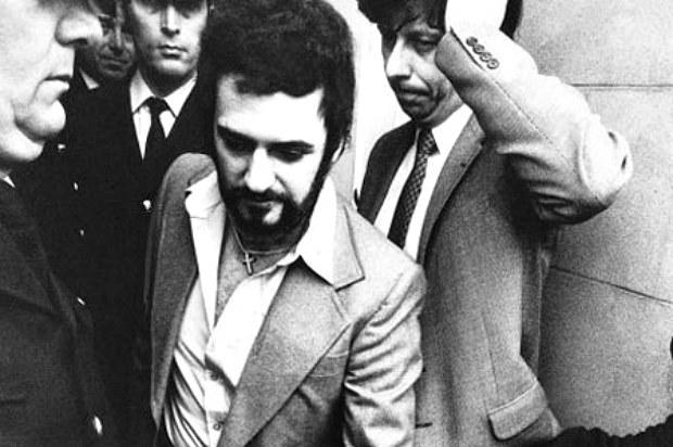 Zatrzymanie Sutcliffe'a nie oznaczało, że zostanie on skazany... /materiały prasowe