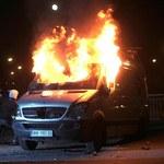 Zatrzymano mężczyzn, którzy podpalili wóz transmisyjny TVN