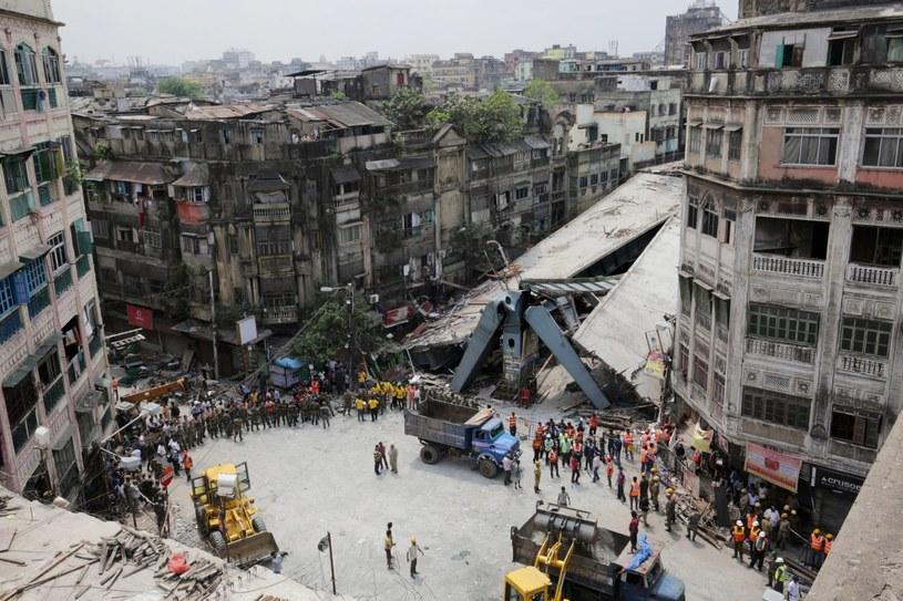 Zatrzymano pięć osób w związku z katastrofą w Indiach /PAP/EPA