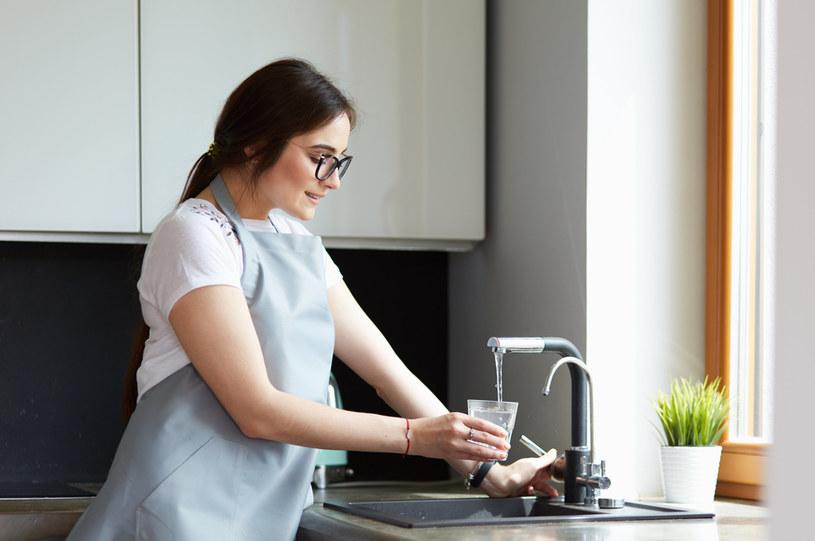 Zatwierdzone podwyżki cen za wodę sięgają teraz średnio 9-10 proc. /123RF/PICSEL