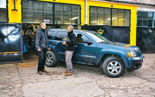Zaufani mechanicy potrafią znaleźć nawet części bardzo trudne do kupienia /Motor