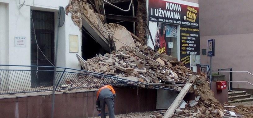 Zawaliła się część niezamieszkanej kamienicy w Chrzanowie /Policja