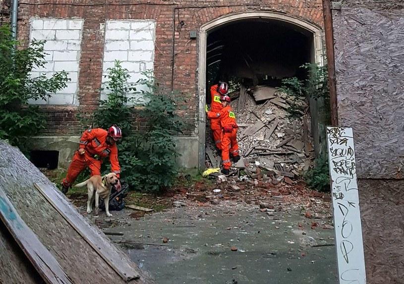 Zawaliły się drewniane i murowane stropy w pustostanie na Pradze /Mazowiecka Straż Pożarna /materiały prasowe