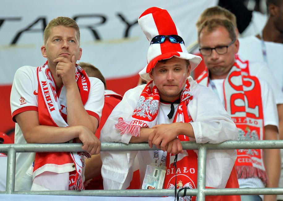 Zawiedzeni kibice na stadionie w Moskwie /PETER POWELL   /PAP