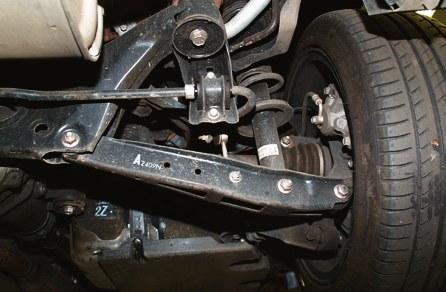 Zawieszenie jest trwałe. Jeśli coś stuka, to najczęściej tylko łączniki stabilizatorów. /Motor