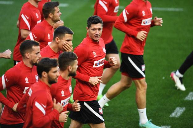 Zawodnicy piłkarskiej reprezentacji Polski podczas treningu kadry przed meczem z Hiszpanią /Marcin Gadomski /PAP
