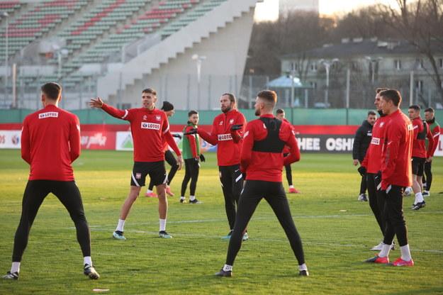 Zawodnicy piłkarskiej reprezentacji Polski podczas treningu / Leszek Szymański    /PAP