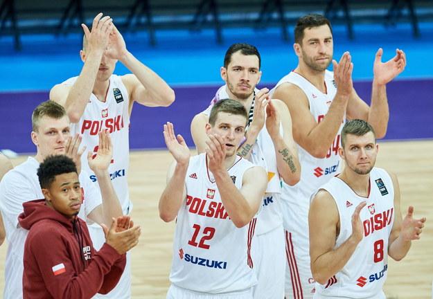 Zawodnicy reprezentacji Polski po przegranym meczu z Francją /Adam Warżawa /PAP