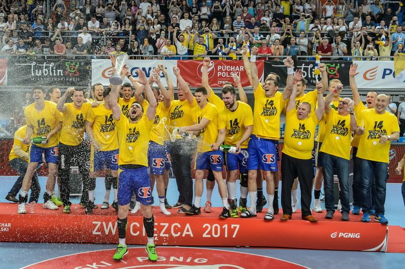 Zawodnicy Vive Tauronu po zdobyciu Pucharu Polski /Wojciech Pacewicz /PAP