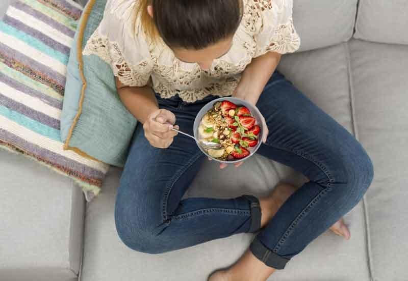 Zawsze należy odchudzać się pod opieką specjalisty, który doradzi również, jak się zdrowo odżywiać, gdy już uda nam się schudnąć /123RF/PICSEL