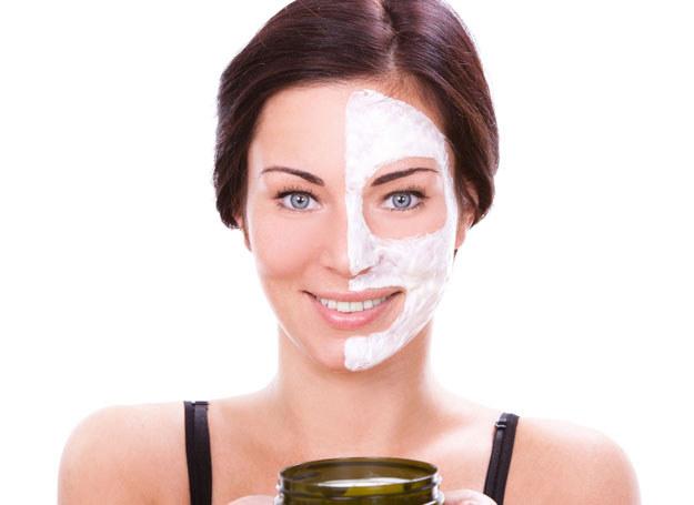 Zawsze testuj nowe kosmetyki! /123RF/PICSEL