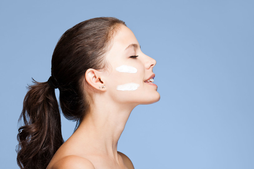 Zawsze warto sięgnąć po kosmetyki przeznaczone do pielęgnacji skóry niemowląt i małych dzieci /123RF/PICSEL