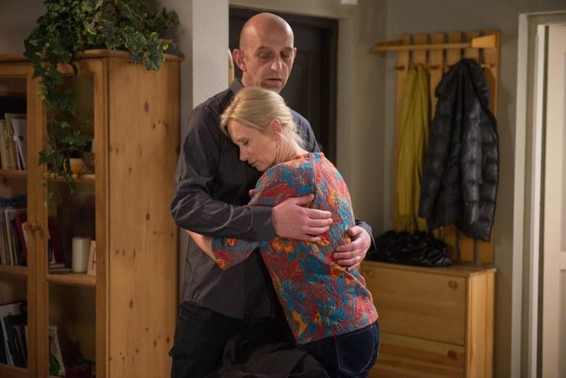 Zazdrość Artura o Radka sprawi, że Ewa uświadomi sobie, kogo kocha. /Agencja W. Impact