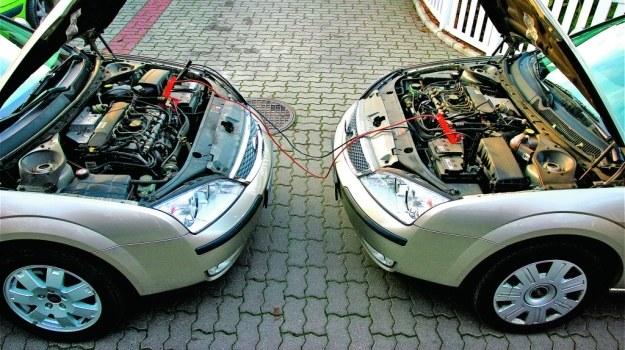 Zazwyczaj do wystarczającego naładowania akumulatora wystarczy około 20 minut jazdy. /Motor